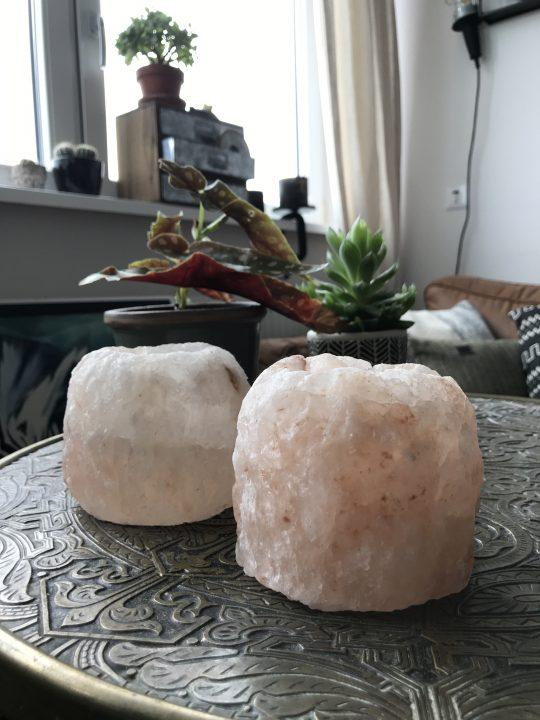 Twee zoutkristallen theelichten