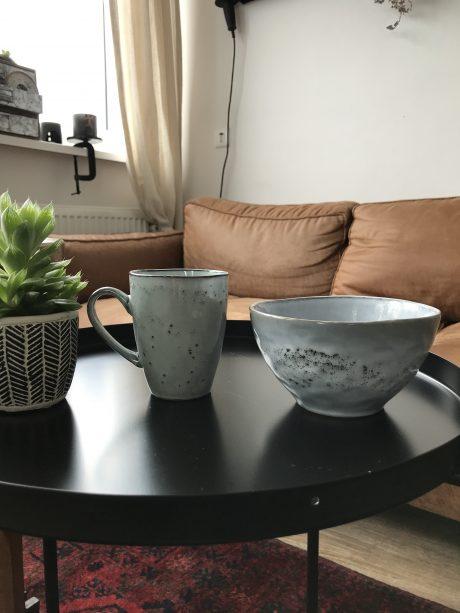 Koffiemok en schaaltje rustiek
